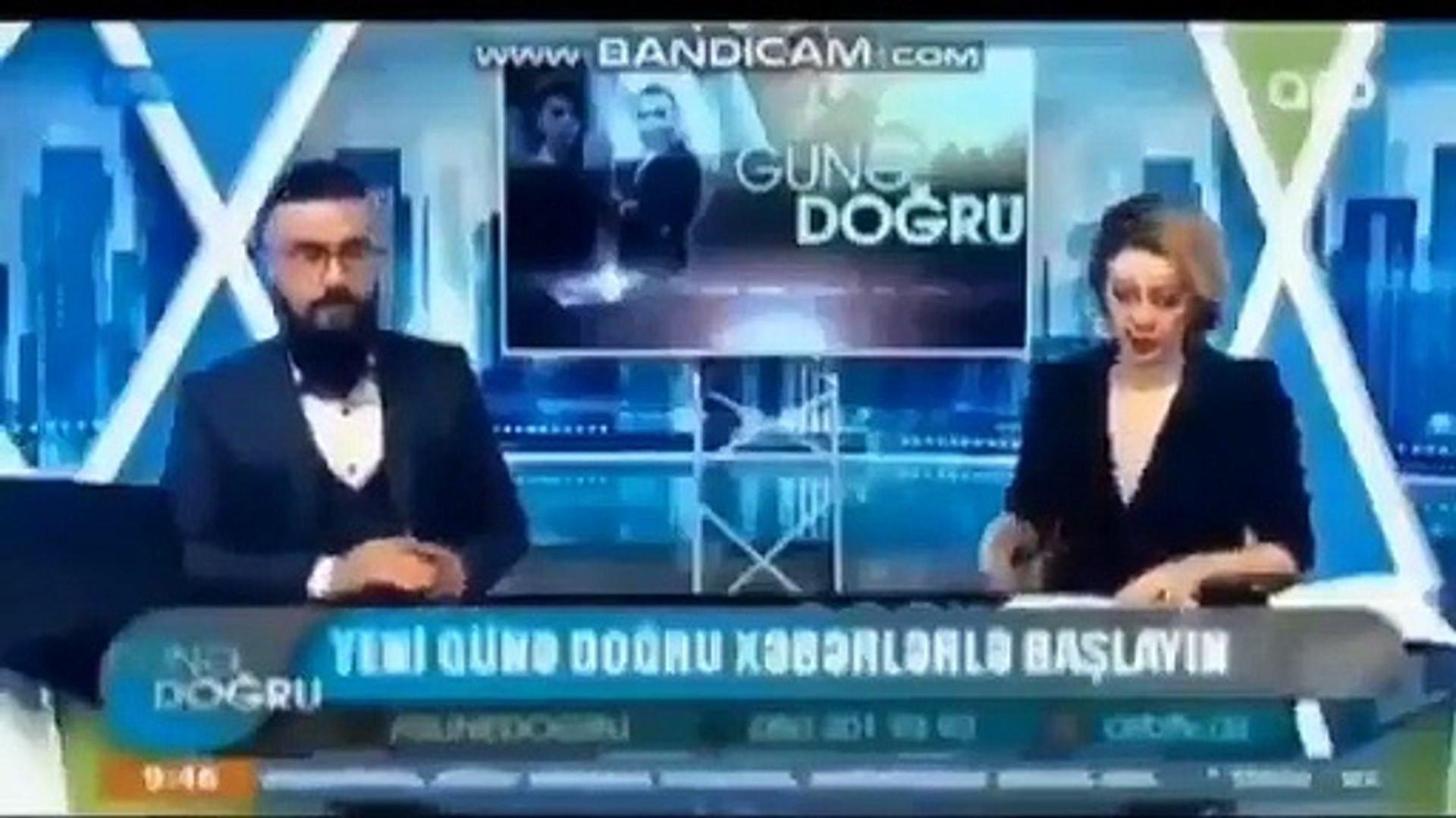 Azeri spiker ''Bill Gates koyabilse önce avradına çip takar'' dedi kahkaha tufanı patladı!