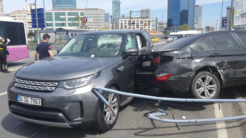 Tam kapanmada inanılmaz kaza! 11 araç hasar gördü - Resim: 2