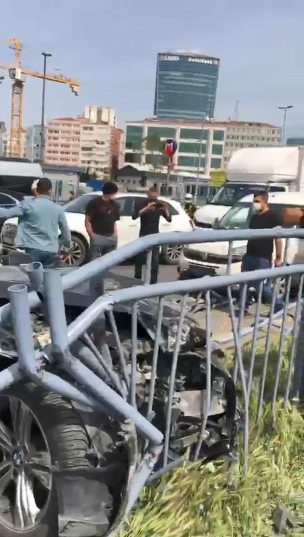 Tam kapanmada inanılmaz kaza! 11 araç hasar gördü - Resim: 3