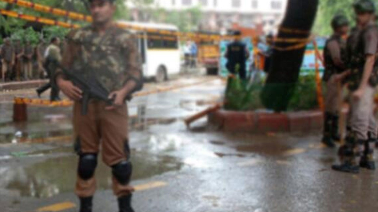 Hindistan'da patlama: 10 ölü