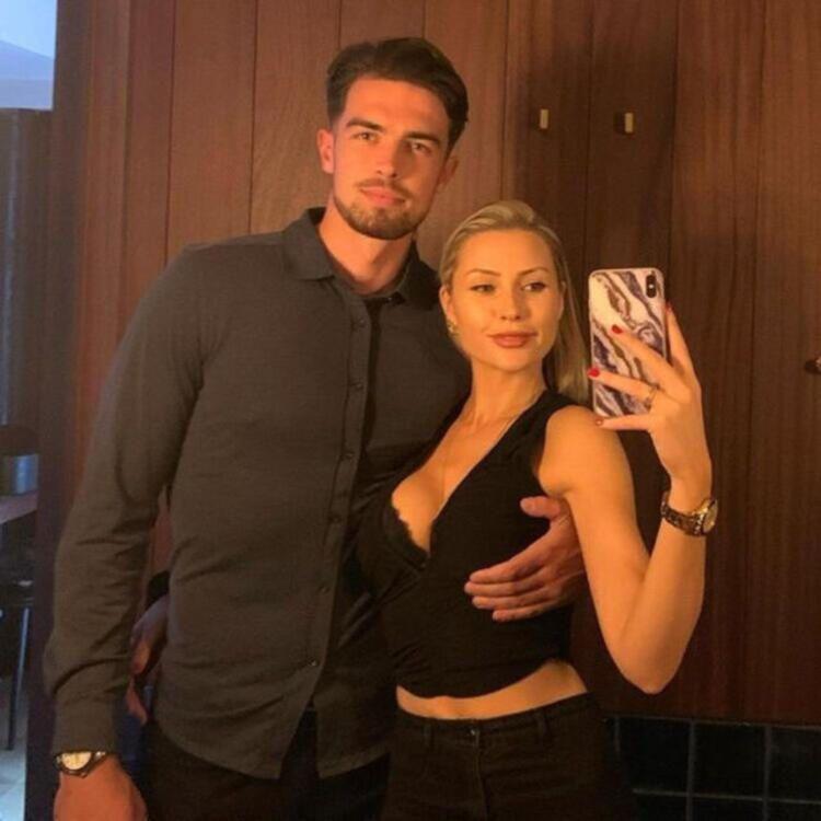 Chloe Loughnan'ın yeni sevgilisi futbolcu çıktı - Resim: 4