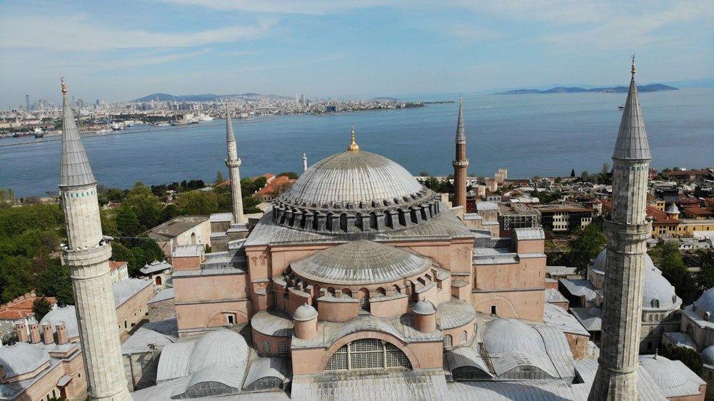 Ayasofya Camii'ne ilk mahya asıldı - Resim: 2