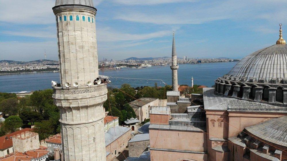 Ayasofya Camii'ne ilk mahya asıldı - Resim: 1