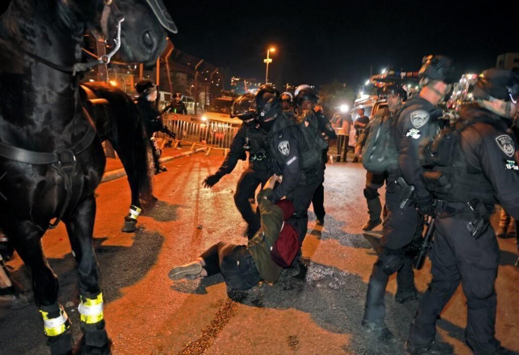 İsrail zulmü dur durak bilmiyor! Kadir Gecesi'nde yine saldırdılar - Resim: 1