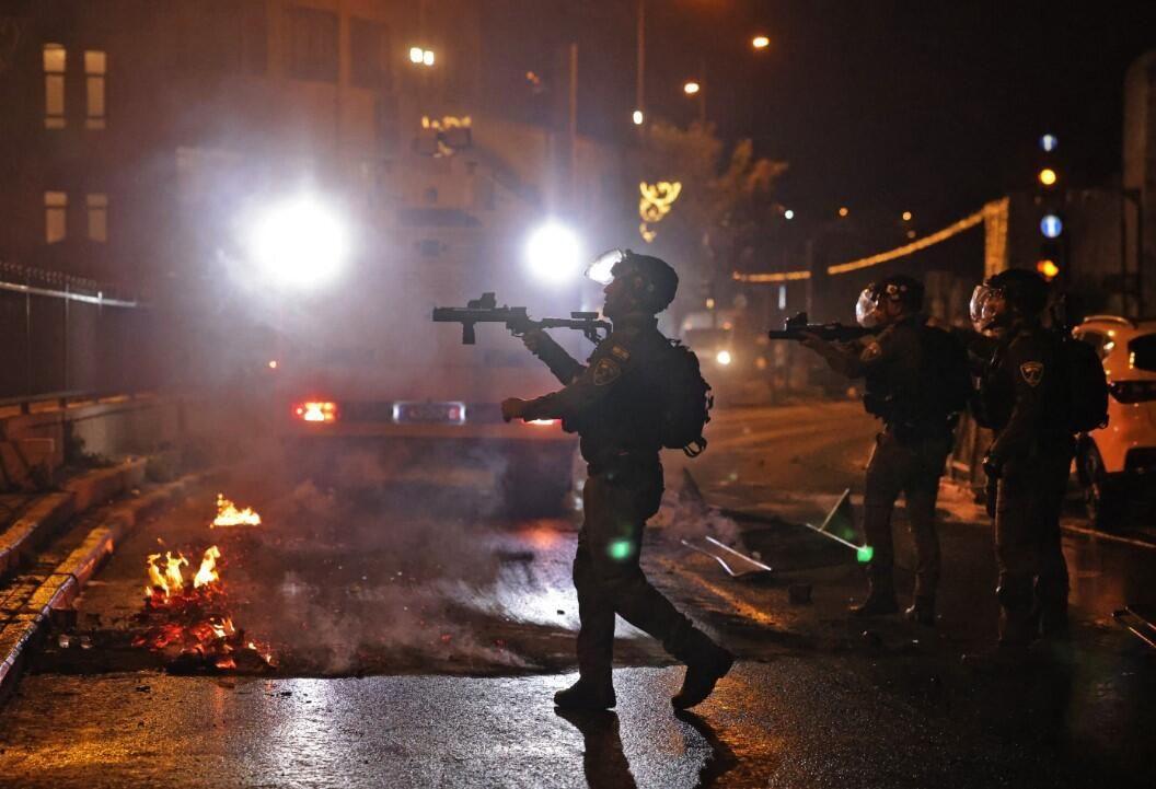 İsrail zulmü dur durak bilmiyor! Kadir Gecesi'nde yine saldırdılar - Resim: 3