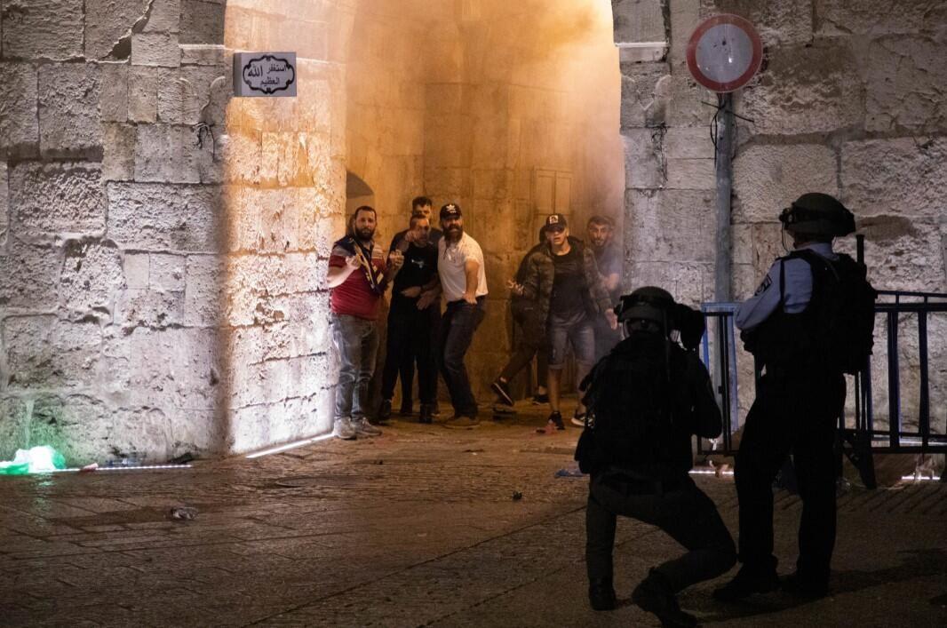 İsrail zulmü dur durak bilmiyor! Kadir Gecesi'nde yine saldırdılar - Resim: 4