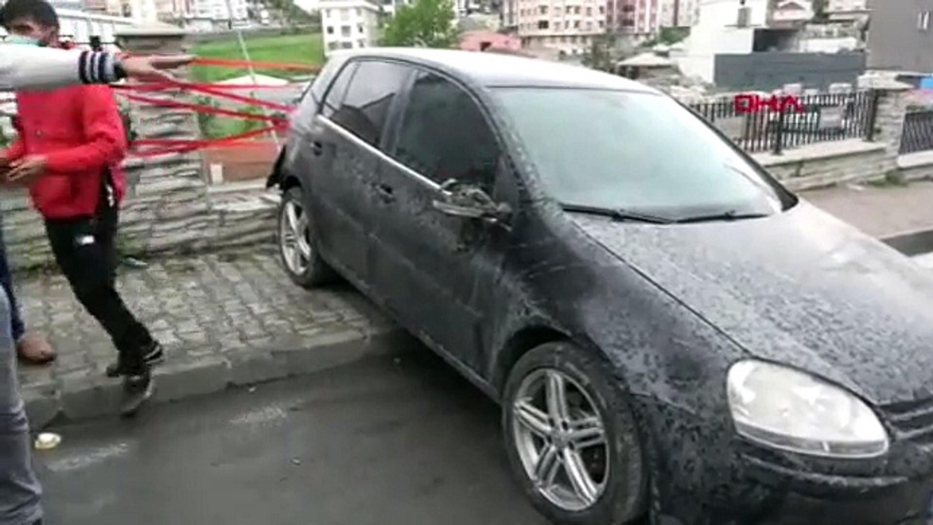 Otomobil yokuş aşağı kaydı, facianın eşiğinden dönüldü!