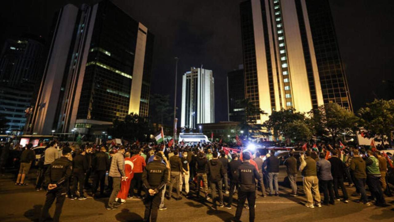 İstanbul'da gece yarısı İsrail protestosu