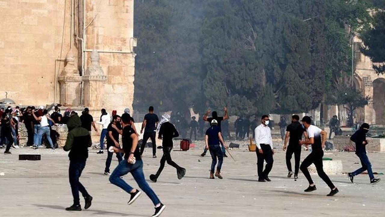 İsrail polisi yine saldırdı; yüzlerce yaralı var