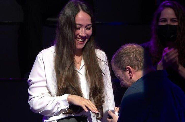 Kim Milyoner Olmak İster'de evlilik teklif eden yarışmacı bakın kim çıktı! - Resim: 3