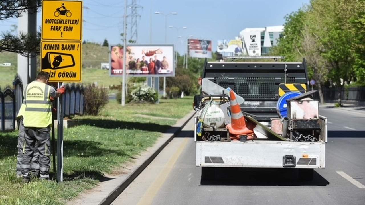 Ankara Büyükşehir'den motosiklet sürücüleri için farkındalık levhaları