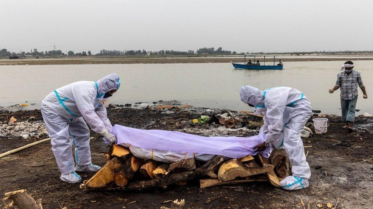 Ganj Nehri'nde korkunç görüntü: 71 kişinin cesedi kıyıya vurdu