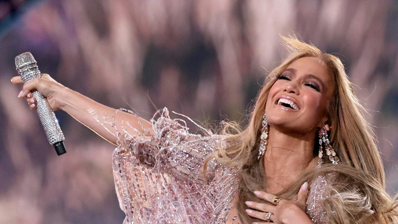 Jennifer Lopez eski aşkına geri döndü