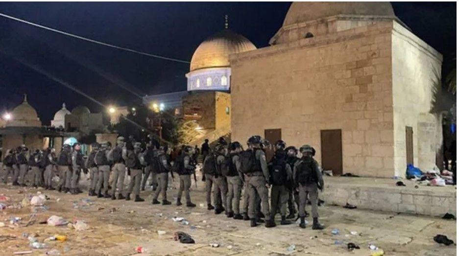 Ünlülerden İsrail'e Mescid-i Aksa tepkisi - Resim: 1