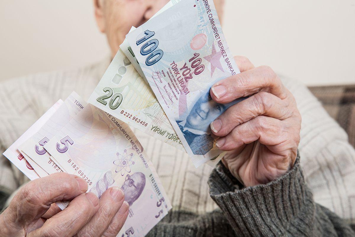 Milyonlarca emeklinin beklediği haber: Emekli maaşları ne zaman yatacak? - Resim: 1