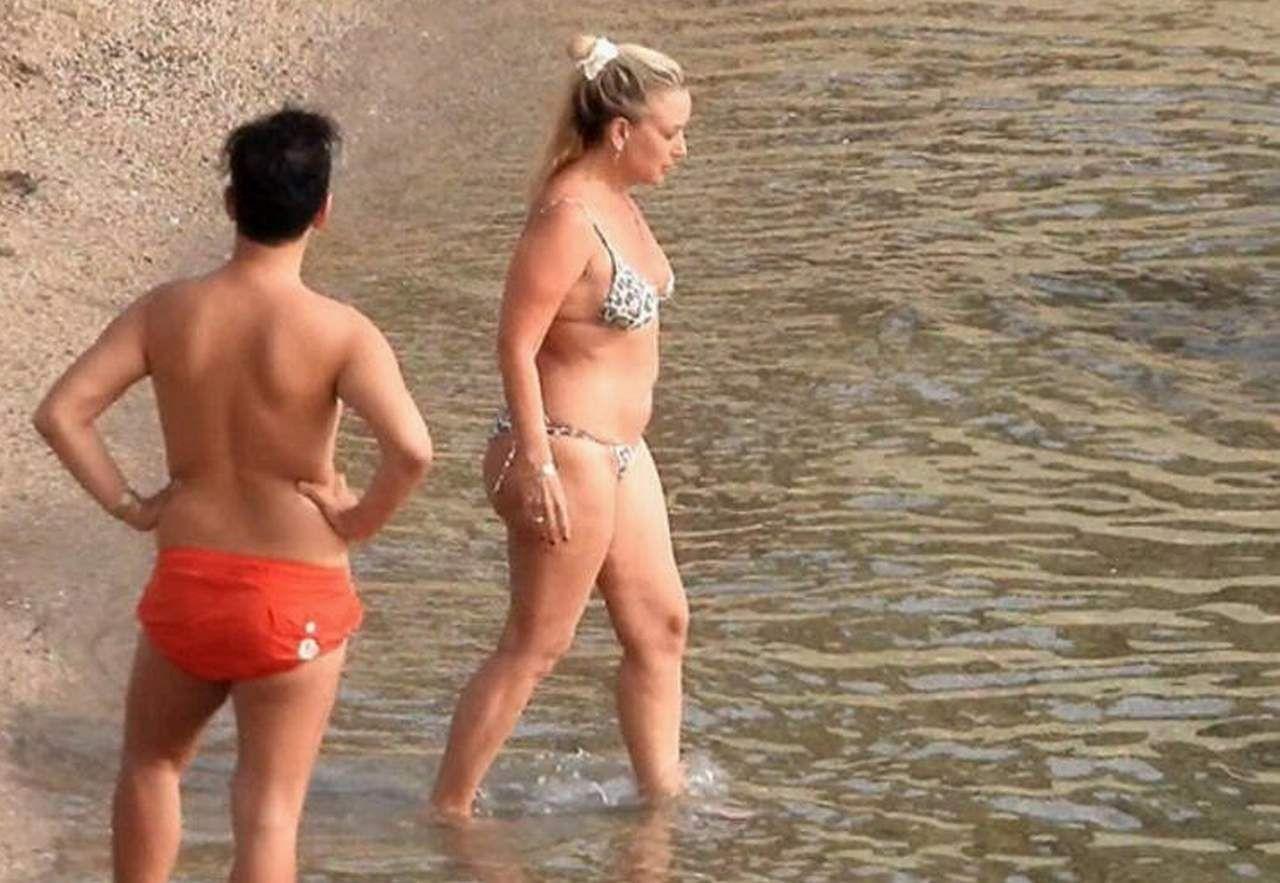 Saba Tümer tam kapanmada deniz sezonunu açtı - Bikinili halini görenler inanamadı - Resim: 4