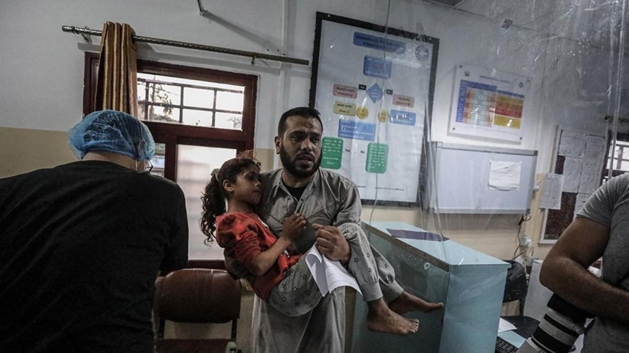 İsrail, Gazze'de 14 katlı binayı vurdu