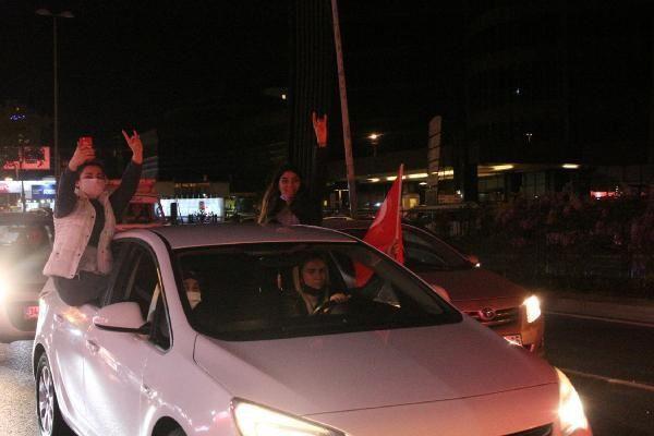 KADEM üyeleri ve taksicilerden İsrail protestosu - Resim: 3