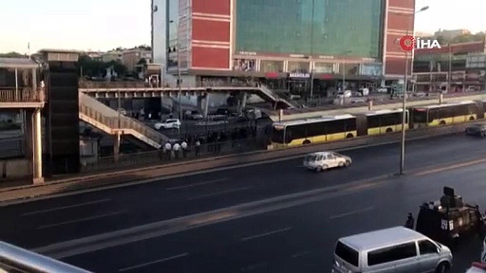 İstanbul'da metrobüs rehin alındı... Özel Harekat olay yerinde
