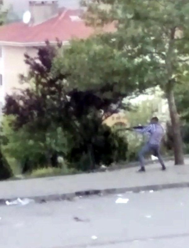 Sokak ortasında mermiler konuştu! - Resim: 2