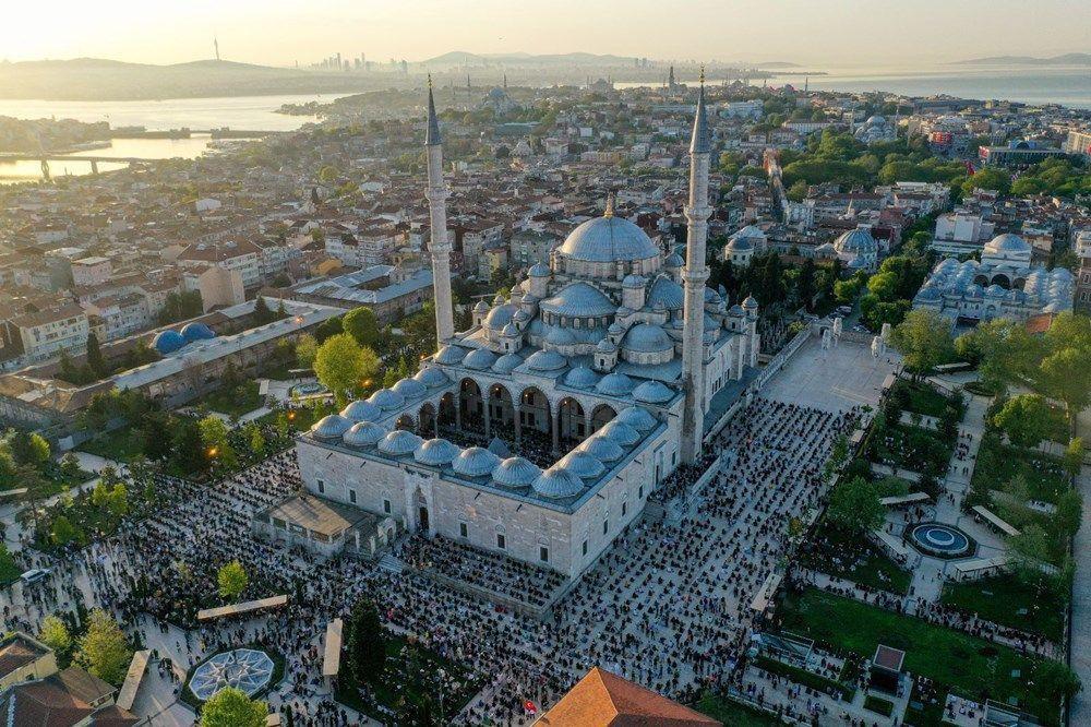 Ayasofya Camii'nde ilk bayram namazı - Resim: 1