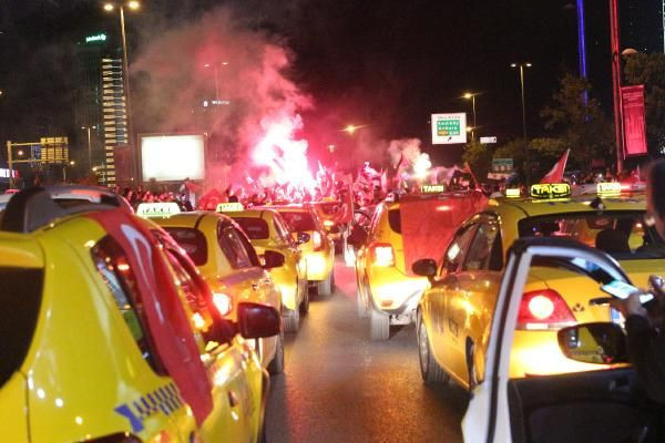 KADEM üyeleri ve taksicilerden İsrail protestosu
