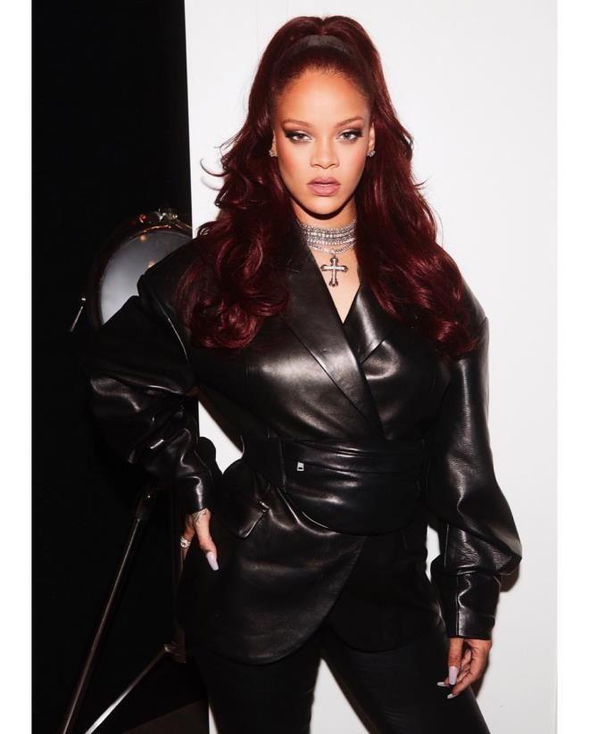 Rihanna'dan çocukların öldüğü savaşa tepki - Resim: 4