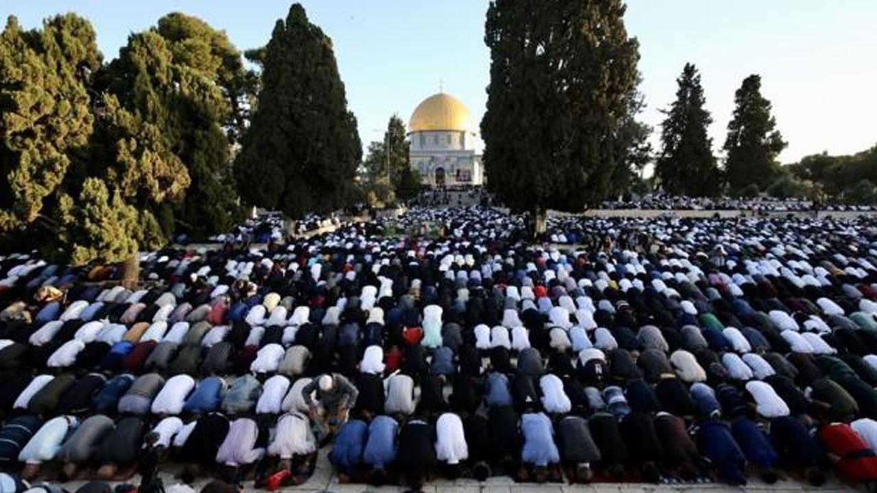 İsrail'in hain saldırılarına direnen Mescid-i Aksa'da tekbirler göğü inletti!