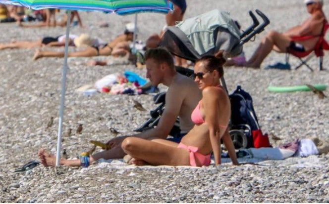Bayramın ikinci gününde de turistler sahillere akın etti - Resim: 3