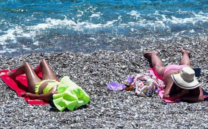 Bayramın ikinci gününde de turistler sahillere akın etti - Resim: 4