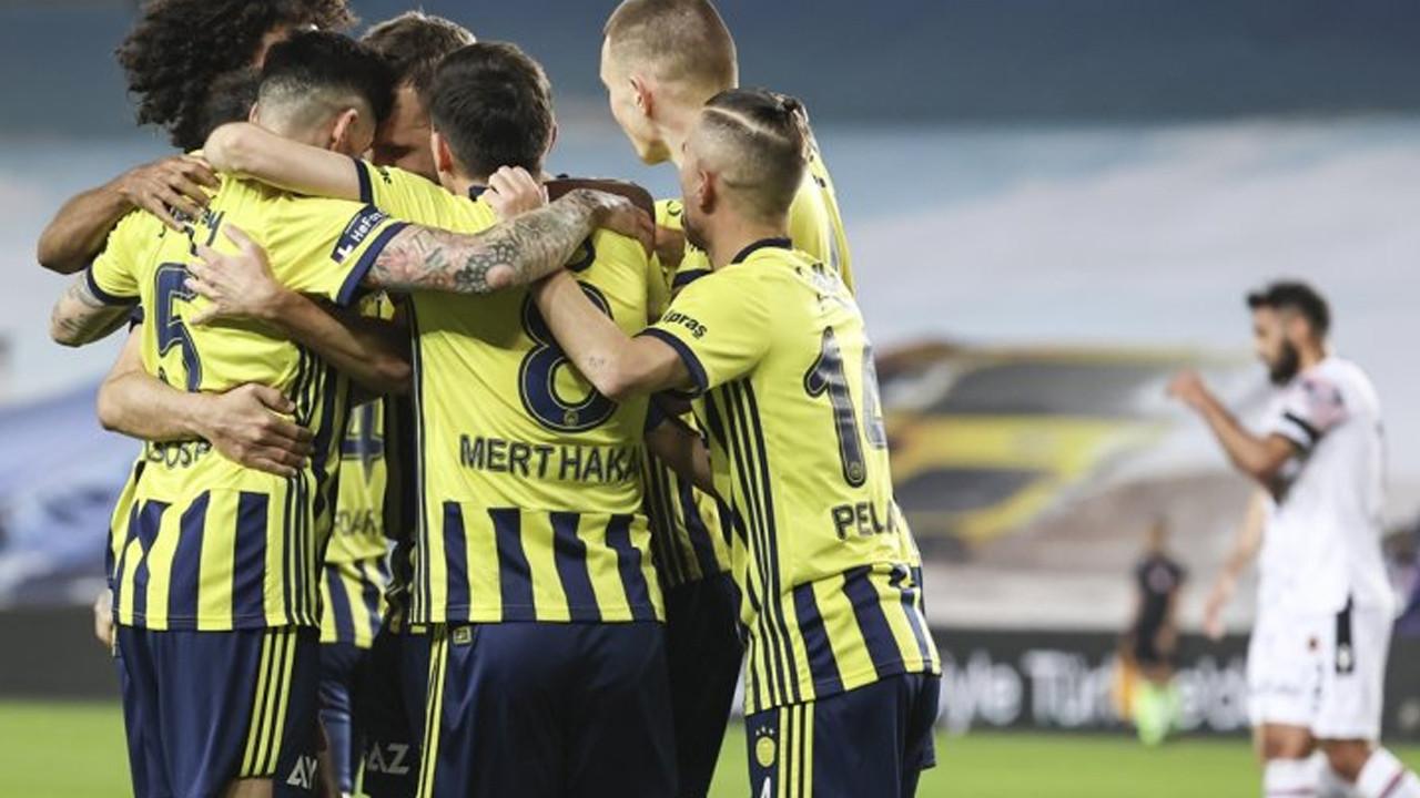 Fatura ağır oldu: Fenerbahçe'de 7 isimle yollar ayrılıyor