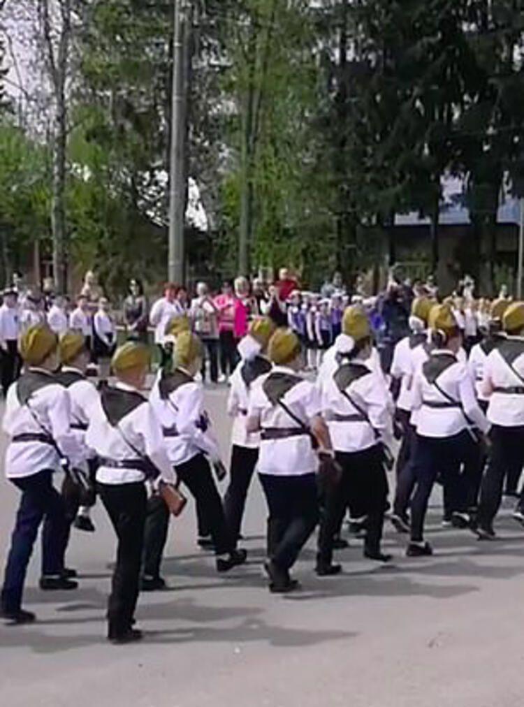 Rusya'nın çocuk askerleri şoke etti - Resim: 4