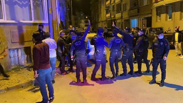 Beşiktaşlı taraftarlar sokakta sabahladı - Resim: 4