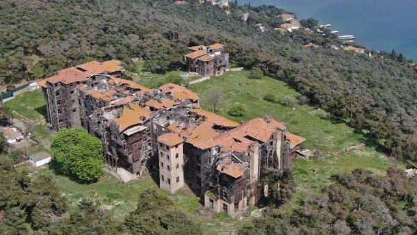 Restorasyonunun başlamadığı Büyükada Rum Yetimhanesi'nde büyük tehlike - Resim: 2