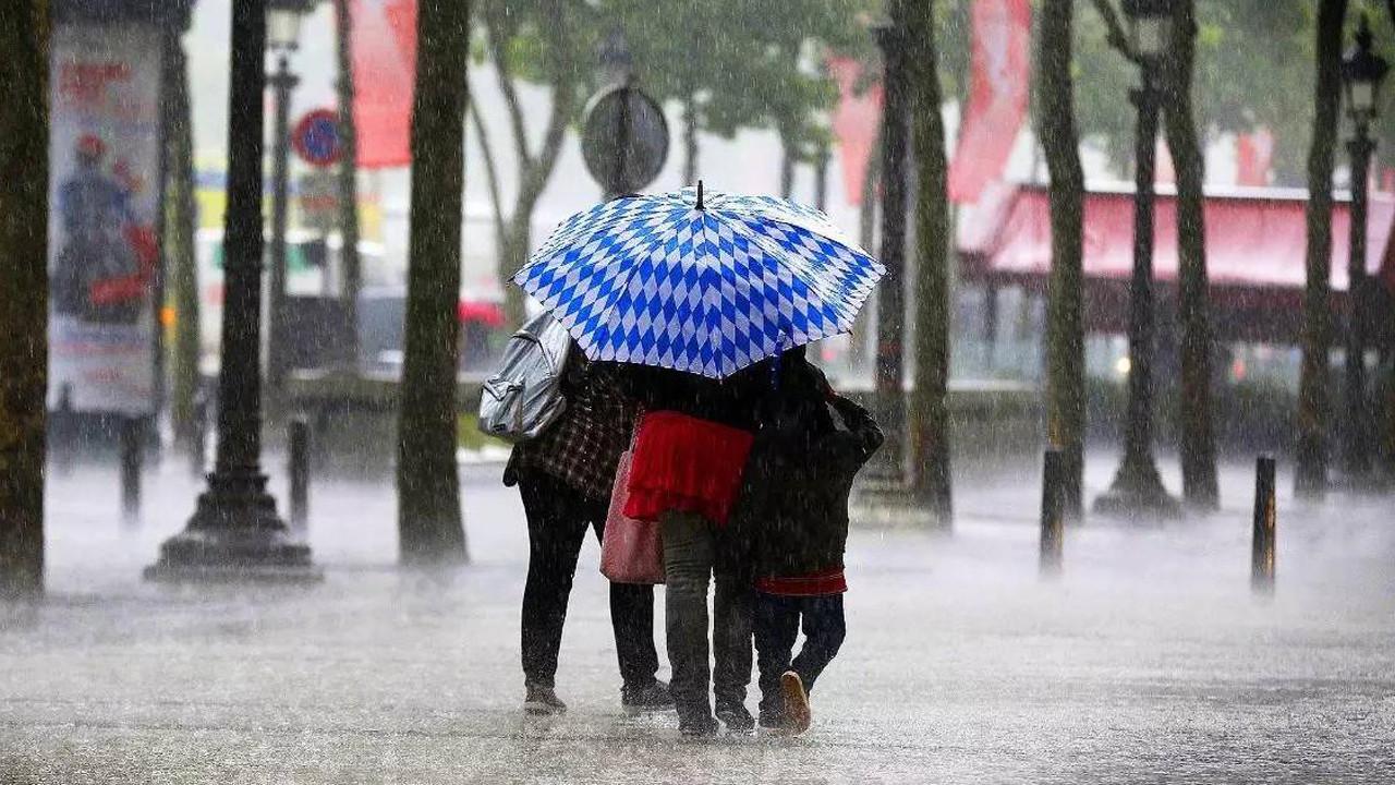 İstanbul'da sarı alarm! Yağmur, sel, hortum!