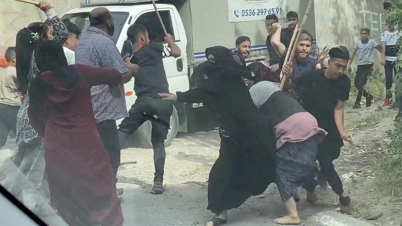 Bıçak, zincir, sopa... Beyoğlu'nda kız kaçırma kavgası