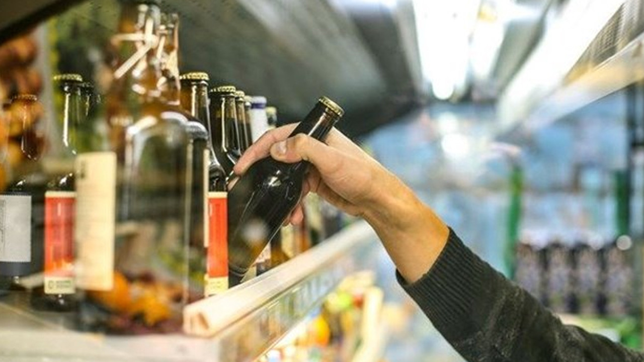 Oxford Üniversitesi'nden alkol araştırması: Beyne zarar veriyor