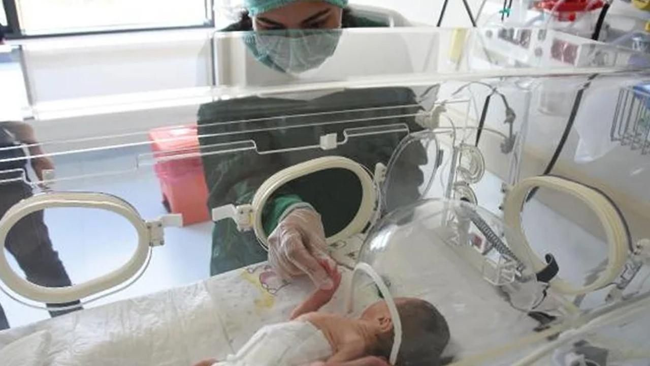 Entübeyken dünyaya getirmişti: 7 aylık bebeğiyle tanıştı