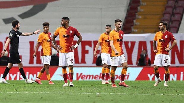 Galatasaray'da tehlike çanları çalıyor: Transfer yasağı tehlikesi - Resim: 2