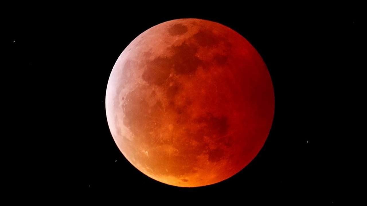 Bugün yaşanacak olan ''Süper Çiçek Kanlı Ay'', Türkiye'den izlenecek mi?