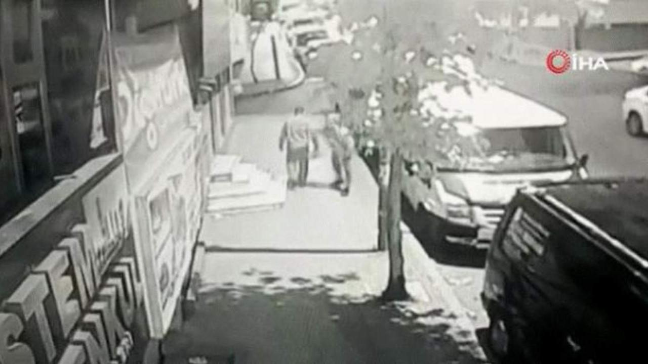 İstanbul'da dehşet; yoldan geçenleri tek tek bıçakladı