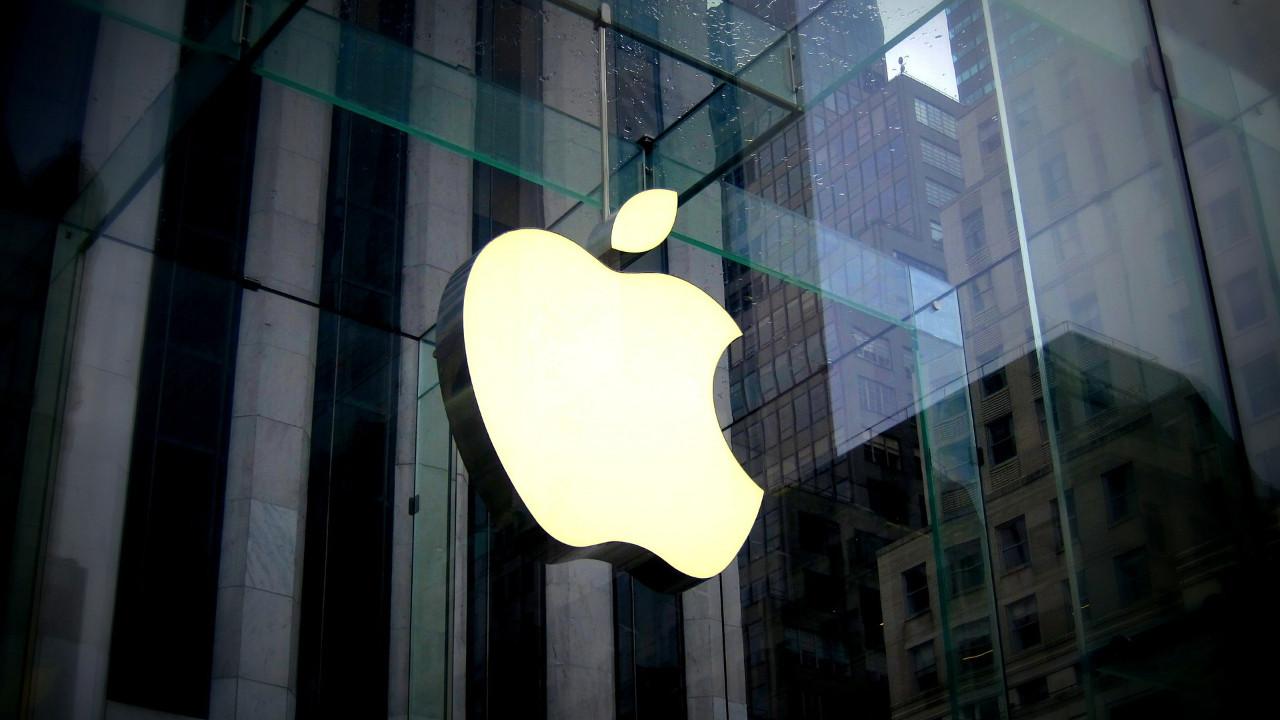 Apple ofise dönüşü erteledi