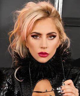 Lady Gaga tanga bikinisiyle nefes kesti - Resim: 3