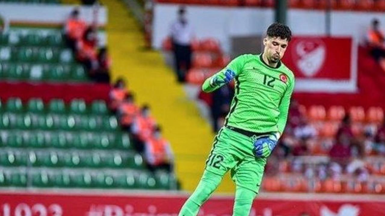 Milli takımda sakatlık şoku: Altay Bayındır ve Halil Akbunar maçı tamamlayamadı