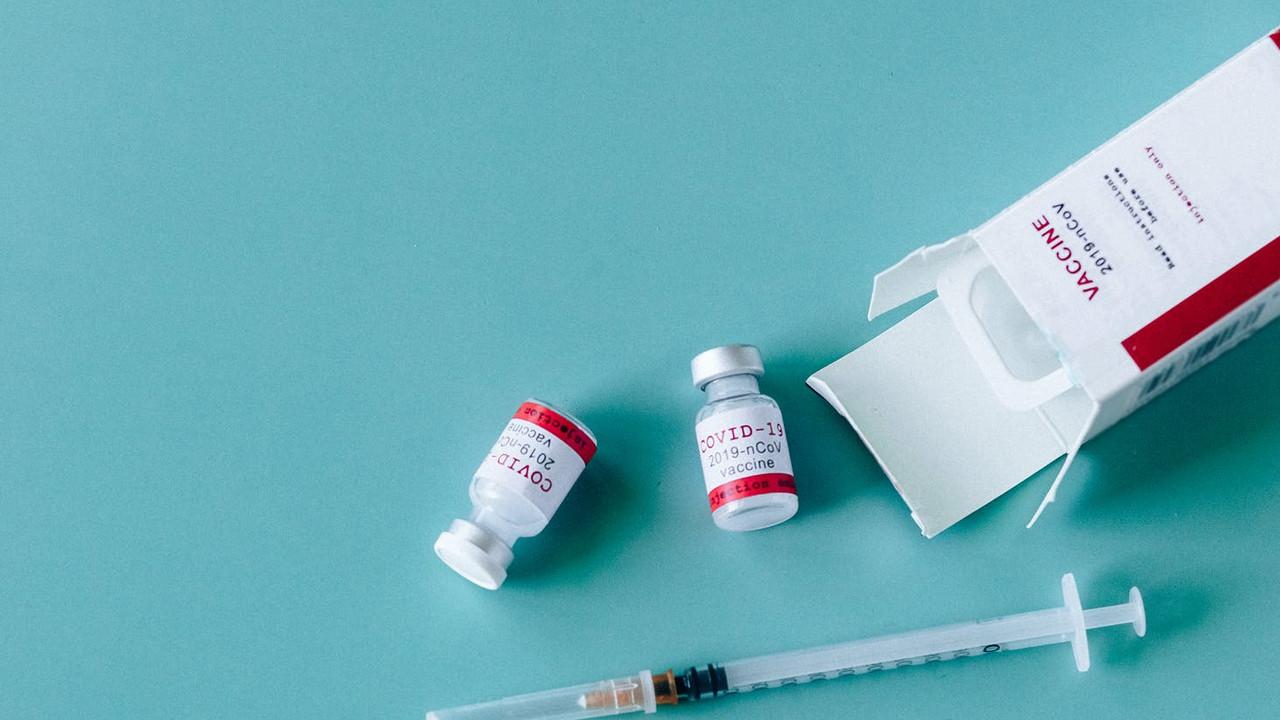 BioNTech mi Sinovac mı? Hangi aşı ölümleri daha fazla engelliyor?