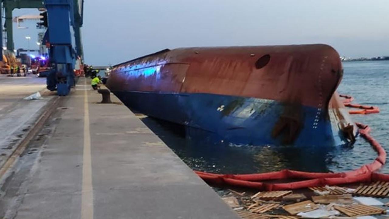 İspanya'da Türklerin bulunduğu gemi alabora oldu