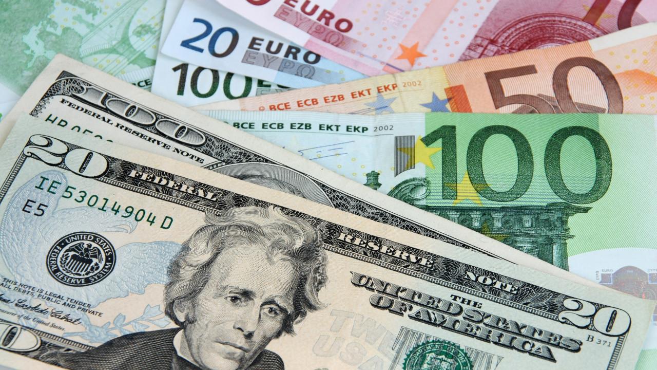 Dolar, Euro ve altın yükselişini sürdürüyor