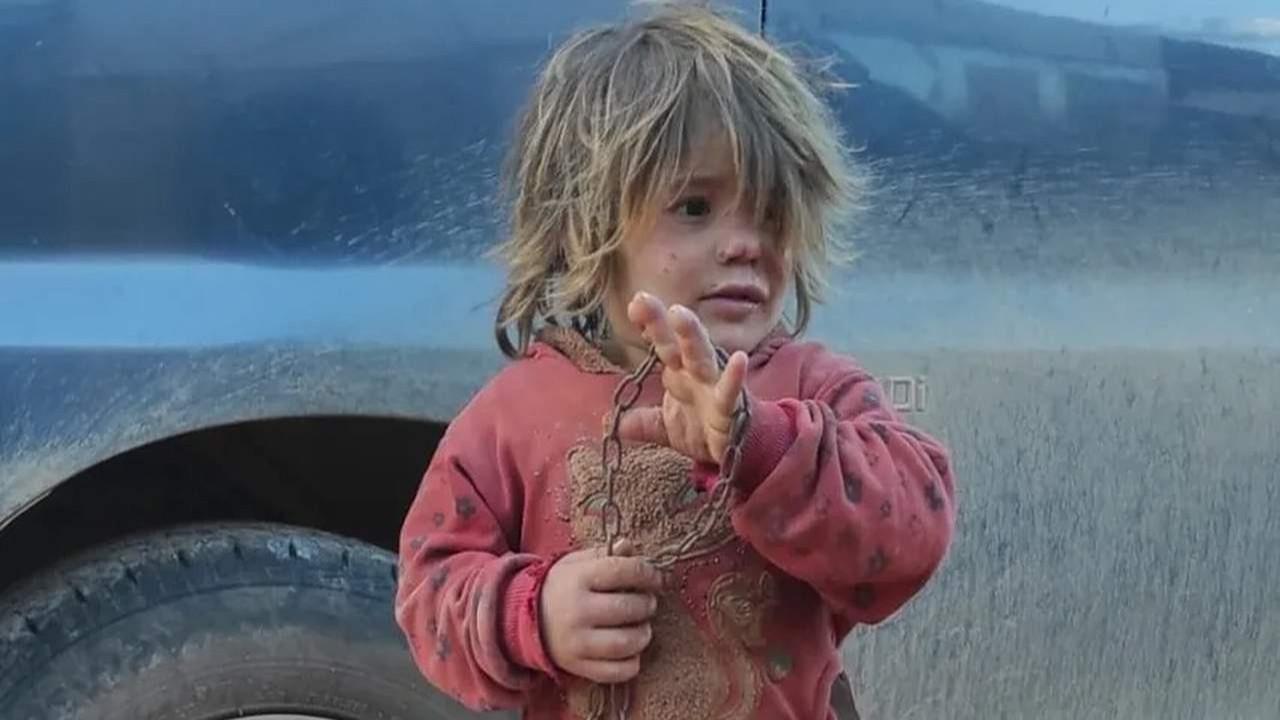 Babasının zincirlediği 6 yaşındaki çocuk açlıktan öldü