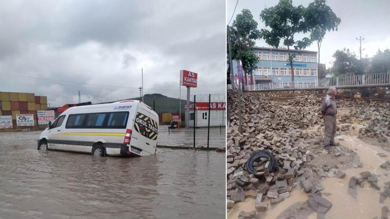 İki ilde kuvvetli yağış: Ortalık savaş alanına döndü