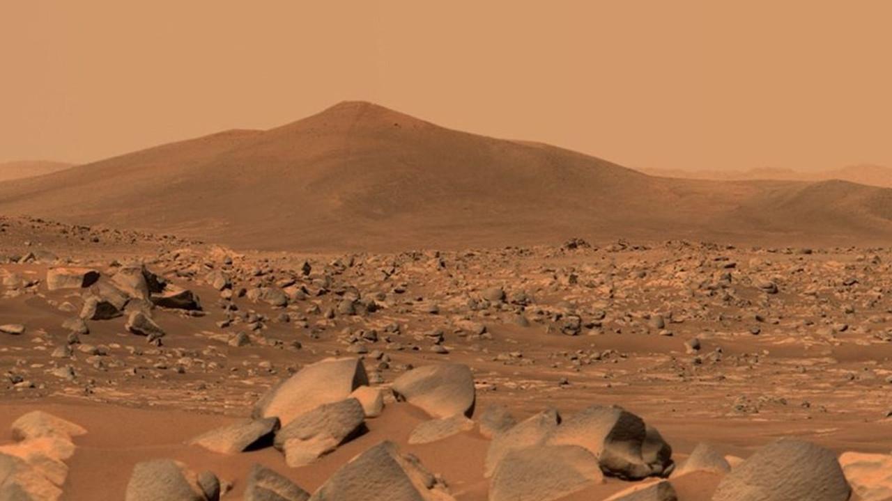 Mars'ta 100. günü geride bıraktı: İşte Mars'tan en etkileyici fotoğraflar